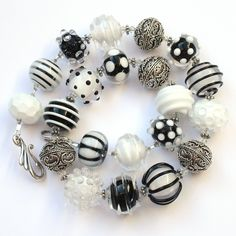 Black and white lampwork necklace by Lillen Feddersen www.perledesign.com www.facebook.com/perledesign