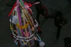 """La pwento (termine in dialetto locale, in italiano """"punta"""") simbolo di S. Sebastiano, legato ad un albero e martirizzato trafitto da frecce. Chiomonte, Valle di Susa, Torino"""