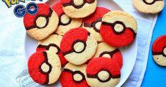 Recette de biscuits Pokéballs inspirés du jeu Pokémon Go ! De délicieux biscuits vanille chocolat en forme de Pokéball pour épater les enfants !