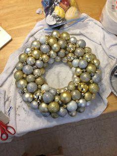 Christmas Ornament Ball Wreath Tutorial