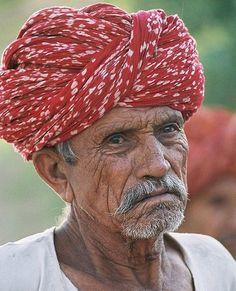 揭秘印度男人帽子和裙子的秘密