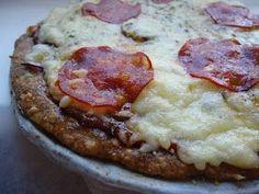 """Jeg har prøvd meg på mange lavkarbo pizzabunner siden jeg først begynte med lavkarbokostholdet. Mange """"pizzaer"""" har endt opp som en slags om... Lchf, Polish Recipes, Polish Food, Grated Cheese, Baking Sheet, Picky Eaters, Tray Bakes, Cooking Time, Mashed Potatoes"""