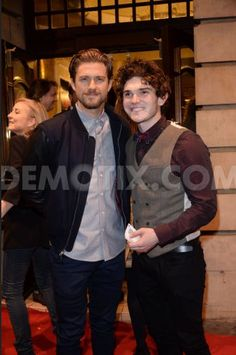 Aaron and Fra Fee. Always have a beard, Aaron. Theatre Nerds, Musical Theatre, Les Miserables, Les Mis Cast, Drama Class, Beard Look, Aaron Tveit, Hot Actors, Attractive Men