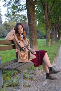 Beauty statement of this look: fox bag by Romantic Shoe Fox Bag, Outdoor Furniture, Outdoor Decor, Bench, Romantic, Autumn, Beauty, Shoes, Home Decor