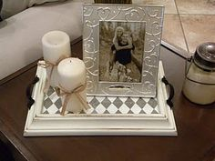 This is soo awesome! Take an old picture frame and turn it into a tray. ** I LOVE this idea. Such a cute & personalized piece to add to any room! I'm actually working on a couple more for other room (Diy Soap Tray) Picture Frame Tray, Picture Frame Projects, Old Picture Frames, Old Frames, Craft Frames, Decorating Coffee Tables, Diy Frame, A Table, Tray Tables