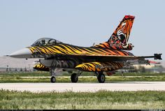 Lockheed Martin (TUSAS) F-16CJ Fighting Falcon  92-0014 (cn 4R-115) Tiger Meet 2015/new tiger colouring 192.Squadron
