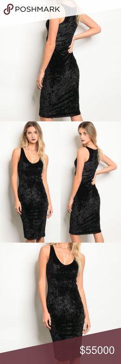 PRICE ⬇️ Black Velvet Dress Black crushed velvet dress Perfect for holiday parties  95% polyester 5% spandex Dresses