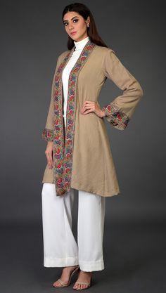 Stylish Dresses For Girls, Stylish Dress Designs, Simple Dresses, Beautiful Pakistani Dresses, Pakistani Dress Design, Designer Anarkali Dresses, Designer Dresses, Gilet Kimono, Kimono Jacket