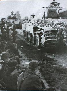Mg 34, Tank Armor, Germany Ww2, Military Armor, Ww2 Photos, Military Pictures, Ww2 Tanks, Military Diorama, Tanks