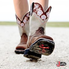 Find your Gypsy Boot here! ---> http://www.justinboots.com/footwear/women/collections/justin-gypsy/L9951