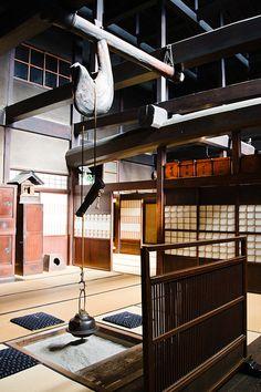 日本家屋、和室、囲炉裏
