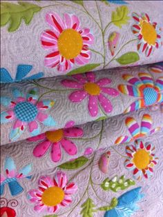 So beautiful!, here is another tut for a flower pillow,   http://dontlooknow.typepad.com/dont_look_now/2009/01/flower-garden-pillow-tutorial-.html