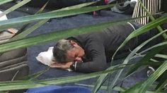 Julio Cobos terminó durmiendo en el piso