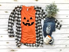 Costume Halloween, Cute Halloween Outfits, Halloween Shirt, Funny Halloween, Girl Halloween, Halloween Jack, Halloween Stuff, Halloween Treats, Halloween Party