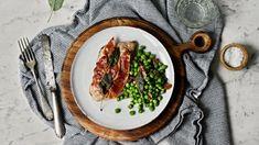 Důležitou ingrediencí v tomto dnešním receptu je kvalitní, ale především telecí maso, které nelze ničím nahradit. Healthy Recipes, Drink, Food, Alcohol, Beverage, Essen, Healthy Eating Recipes, Meals, Healthy Food Recipes