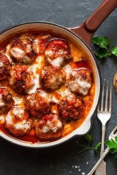 Hackbällchen Toskana mit würziger Tomatensauce You are in the right place about rustic Italian Recipes Here we offer you the most beautiful pictures about the quick Italian Recipes you are looking for Turkey Meat Recipes, Easy Meat Recipes, Hamburger Meat Recipes, Easy Dinner Recipes, Mexican Food Recipes, Easy Meals, Healthy Recipes, Ethnic Recipes, Delicious Recipes