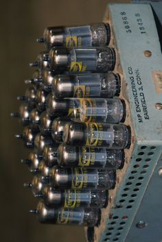 A cluster of 30 12B4A tubes make up the output on this OTL amplifier by MP Engineering.