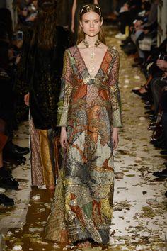 BODY CHAIN Valentino Spring 2016 Couture Fashion Show - Frida Westerlund