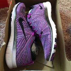 Nike free run 5.0 flyknit Brand new Nike Shoes Athletic Shoes