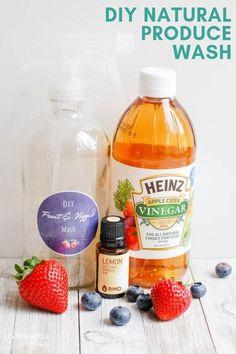 Easy homemade fruit veggie spray + soak for cleaning produce naturally. Vinegar Fruit Wash, Apple Vinegar, Cider Vinegar, Fruit And Vegetable Wash, Organic Fruits And Vegetables, Cleaning Recipes, Natural Cleaning Products, Apple Cider, Salads