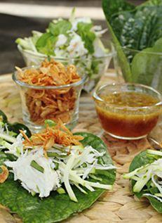 เมี่ยงปู  Crab Salad on Betel Leaves