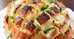 Du behöver: * Surdegs bröd, 1 stort runt * Brieost * Vitlök, 1 klase * Smör * Citron * Salt Flingor * Färsk Persilja ...