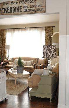 Jennifer Rizzo living room