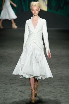 Vera Wang Spring 2013 RTW - Review - Fashion Week - Runway, Fashion Shows and Collections - Vogue - Vogue