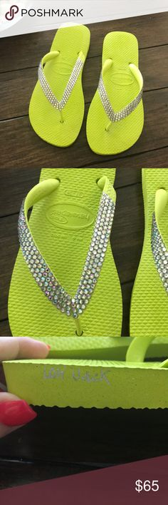 9ab73843d552 NWOT Lori Jack Swarovski Crystal Flip Flops