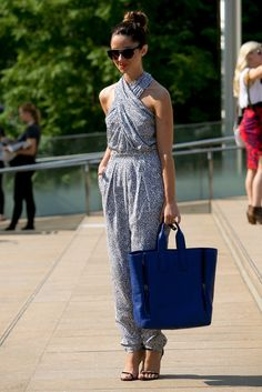 Style Inspiration: The Best Street Style at NY Fashion Week Spring 2014 >>>A sophisticated jumpsuit was a perfect way to beat the New York heat. Ny Fashion Week, Moda Fashion, New York Fashion, Fashion Trends, Fashion Outfits, Cool Street Fashion, Street Chic, Street Style, Nyfw Street