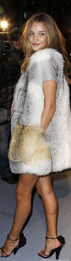 Street Style   Rosie Huntington-Whiteley fur vest