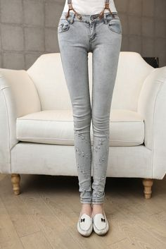 Skinny jeans with braces