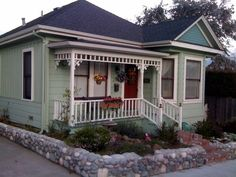 Pacific Grove Cottage (also a vacation rental:VRBO 353494)