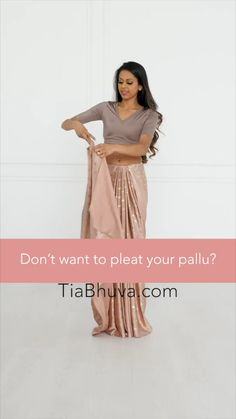Dress Indian Style, Indian Fashion Dresses, Indian Designer Outfits, Saree Fashion, Indian Designer Sarees, Fancy Dress Design, Fancy Blouse Designs, New Saree Blouse Designs, Salwar Designs
