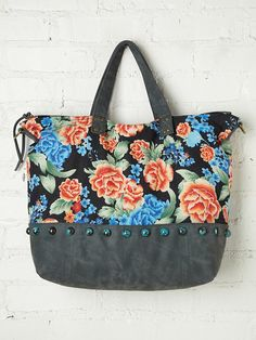 Palm Tree Tote http://www.freepeople.com/whats-new/palm-tree-tote/