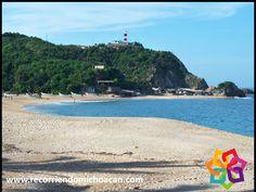 RECORRIENDO MICHOACÁN ¿Ha escuchado hablar sobre la belleza que ofrece la playa del Faro de Bucerías? Con su hermoso mar color turquesa y las elevaciones que limitan la bahía, en la noche la brisa sopla y las incontables estrellas, harán de su estadía un agradable momento. Durante su próxima visita a Michoacán, no deje de conocer este emblemático lugar. HOTEL CABAÑAS ERENDIRA http://erendiralosazufres.com/