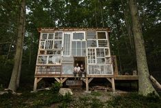 In 2012 this couple quit their jobs and set off to build a glass cabin in the mountains of West Virginia. In 2012 this couple quit their jobs and set off to build a glass cabin in the mountains of West Virginia Recycled Windows, Old Windows, Reclaimed Windows, Vintage Windows, Recycled House, Recycled Glass, House Windows, Recycled Wood, Antique Windows