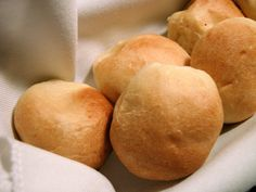 Panini con Farina di Manitoba fatti con il Bimby: LEGGI LA RICETTA ► http://www.ricette-bimby.com/2012/01/panini-bimby-con-farina-di-manitoba.html