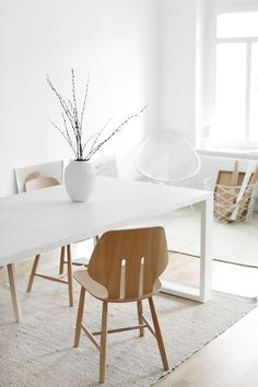 white desk designs for minimalist home office 12 < Home design Ideas< Apartment Interior Design, Home Office Design, Home Office Decor, Diy Home Decor, House Design, Office Desk, Minimalist Home Decor, Minimalist Interior, Modern Minimalist