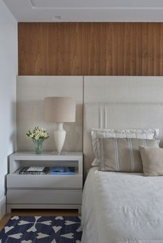 Are you starting a new home decor project or simply want to redecorate for the new season? Let yourself be inspired by these 20 luxurious bedroom design ideas you will want to copy! Home Bedroom, Master Bedroom, Bedroom Decor, Bedrooms, Bedroom Apartment, Cool Furniture, Bedroom Furniture, Furniture Gliders, Furniture Makers