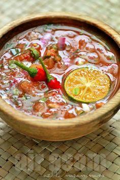 air asam or sauce Malaysian Cuisine, Malaysian Food, Cooking Sauces, Cooking Recipes, Cooking Ingredients, Sambal Sauce, Tamarind Sauce, Malay Food, Asian Recipes