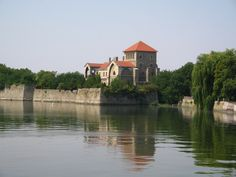 Tata Castle and lake Capital Of Hungary, World Traveler, Homeland, Budapest, Great Places, Wonders Of The World, Travel Tips, Most Beautiful, Castle