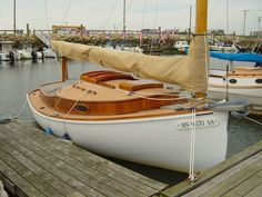 Gotta love these little catboats! Wooden Boats For Sale, Glass Boat, Classic Sailing, Beyond The Sea, Boat Interior, Cool Boats, Owning A Cat, Overseas Travel, Boat Stuff