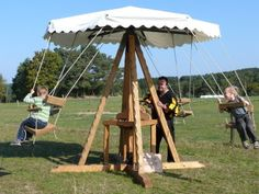 Mittelalter Karussell Viking Camp, Medieval Games, Craft Booth Displays, Diy Tent, Play Equipment, Market Stalls, Fantasy Inspiration, Tent Camping, Larp