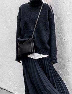 Le parfait total look noir et bleu marine #3 (photo Figtny)