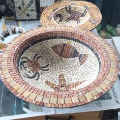 learn mosaic art online with experienced mosaic artist Anne Cardwell, courses include basic skills to advance projects Mosaic Flower Pots, Mosaic Pots, Mosaic Diy, Mosaic Garden, Mosaic Crafts, Mosaic Projects, Mosaic Tiles, Art Projects, Mosaic Designs