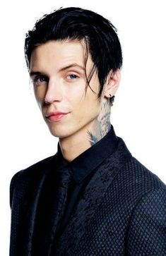 How can someone like Andy be born naturally this handsome..idk but Juliet is a lucky person but I do love him and BVB...