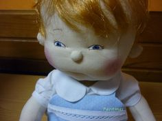 Muñeco confeccionado en tela de algodón, hecho a mano,