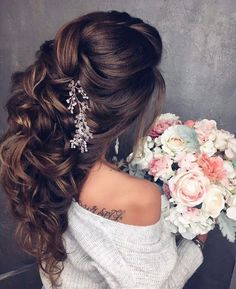 wedding hairstyles | for long hair | with accessories | bridal headpieces | extensions | blondes | brunette | brown | flowers | curly | twist