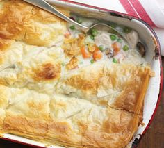 Flaky phyllo dough stands in for the traditional fat-laden pie crust, and inside you'll find plenty of fiber-rich veggies! Diabetic Casserole Recipe, Diabetic Chicken Recipes, Healthy Chicken Pot Pie, Cooking Recipes, Diabetic Cookbook, Diabetic Meals, Diabetes Recipes, Diabetic Friendly, Phyllo Dough Recipes